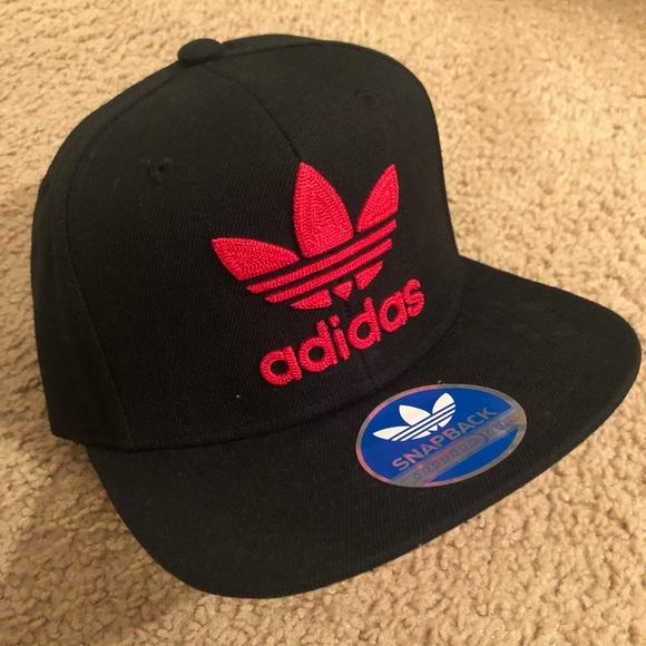 42f5ef4c8 Red and black Adidas SnapBack hat